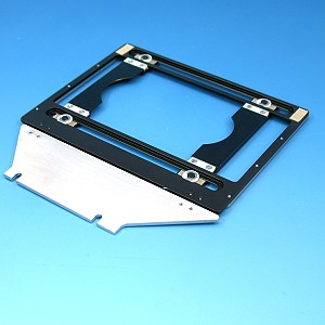 Universal mounting frame for Petri dishes and slides